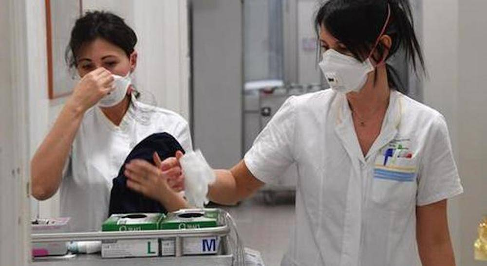 14enne in Rianimazione, 200 studenti a rischio contagio