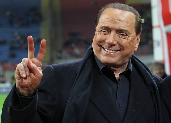 """Silvio Berlusconi """"In Italia doppia moneta. Euro e lira"""""""