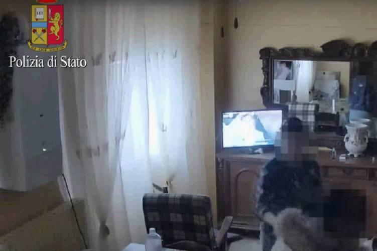 Violenze continue nell'appartamento degli orrori – VIDEO