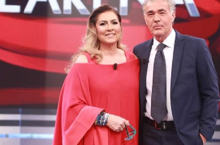 Gaffe in diretta per Massimo Giletti mentre intervista Romina Power