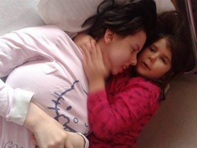 """Quel miracoloso """"risveglio"""" dopo sette anni di coma: """"Ecco tua figlia…"""" – VIDEO"""
