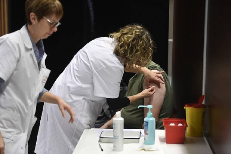 Meningite, altro caso in Campania: pronto soccorso chiuso per sei ore