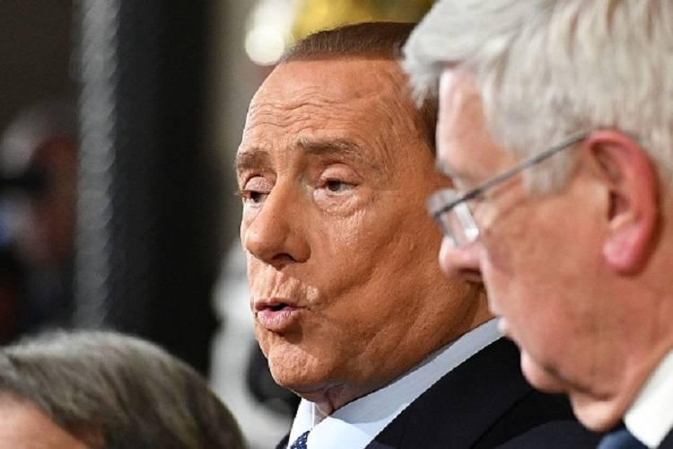 Riecco Silvio Berlusconi: