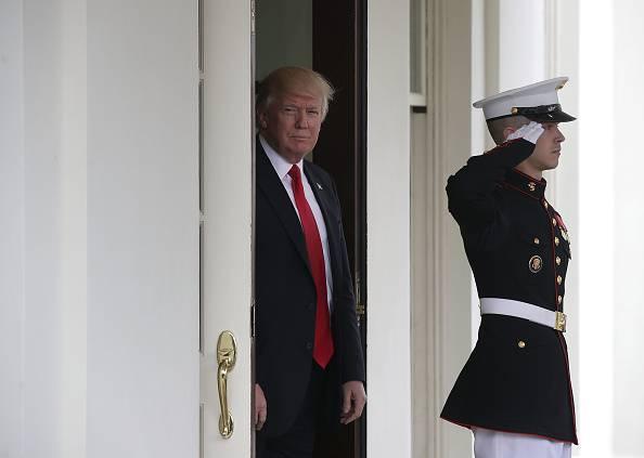 Trump dichiara guerra alle importazioni dall'Ue: a rischio anche la Vespa