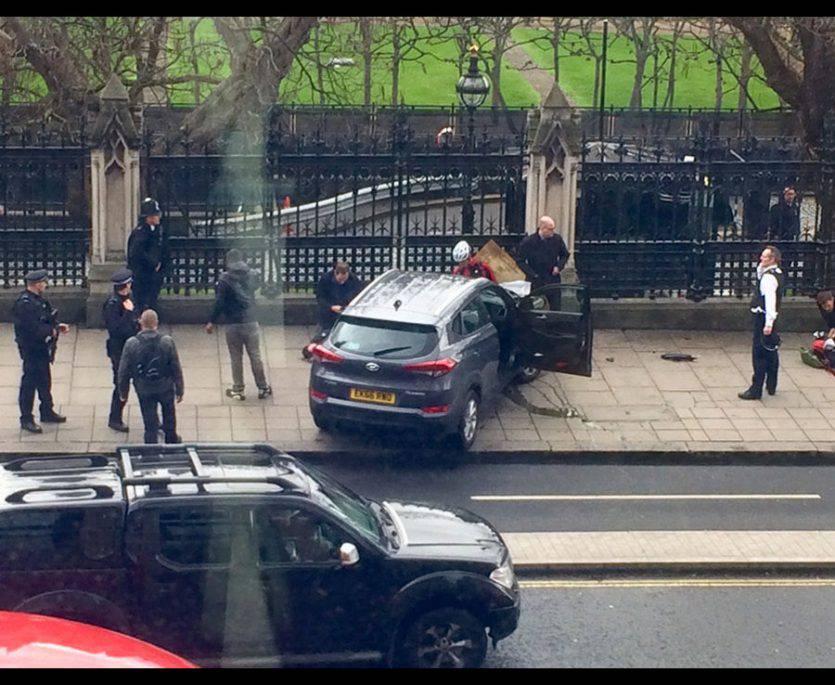 Londra, attacco a Westminster: diversi feriti, ucciso assalitore