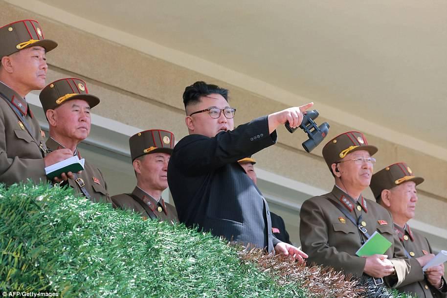 """""""Guerra nucleare da un momento all'altro"""", crescono le tensioni tra Corea e Usa"""