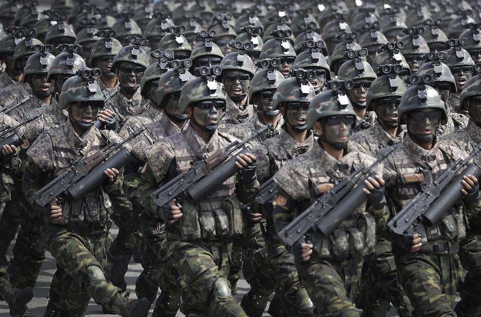 armi della parata della Corea del Nord