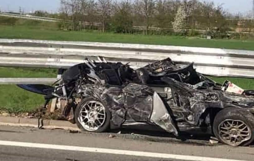 Schianto atroce, muore papà in auto con la figlia di 5 anni