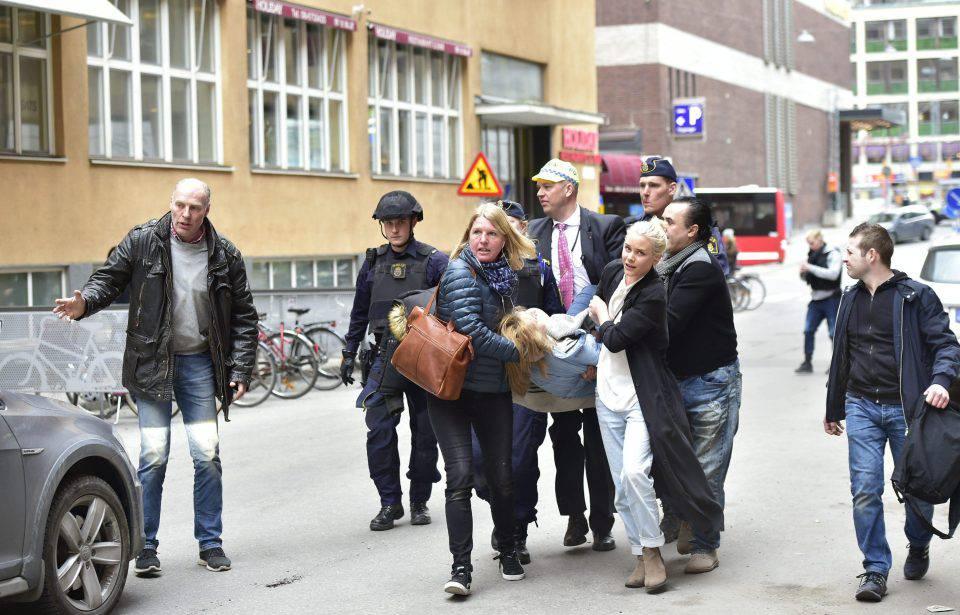 Attentato Stoccolma, la polizia arresta altre tre persone