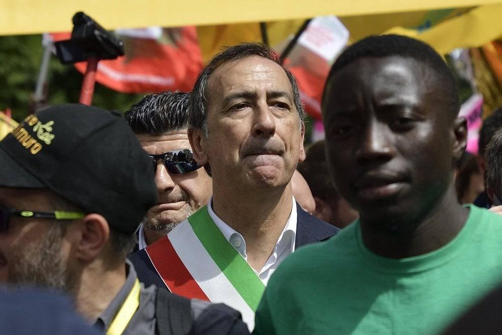 In 100mila in marcia a favore dei migranti