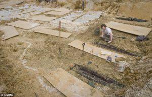 Settemila corpi sepolti