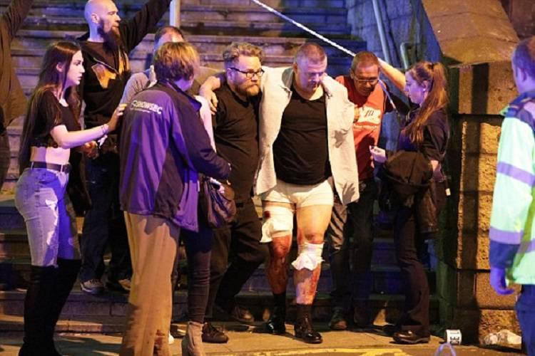 Attentato a Manchester, le testimonianze drammatiche FOTO-VIDEO