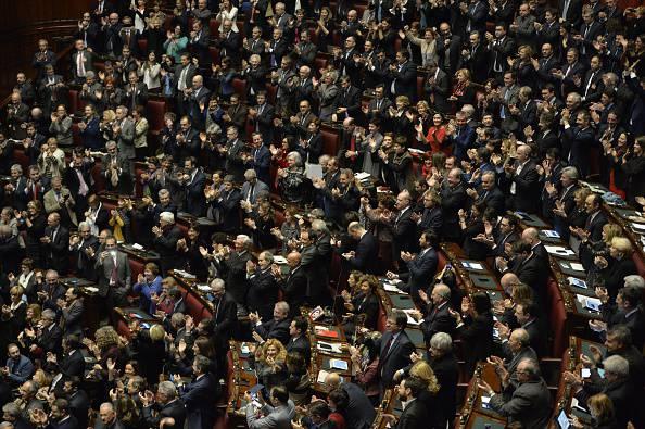 Vitalizi ai parlamentari: cambia tutto