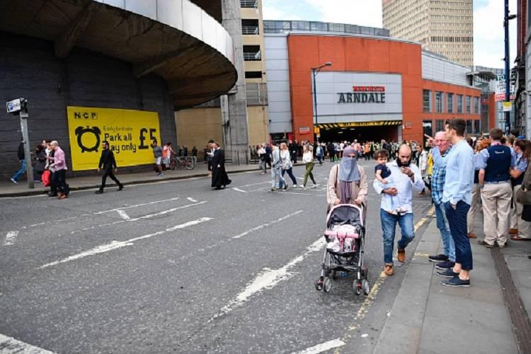 """Manchester, ancora paura: """"Un boato nel centro commerciale"""""""