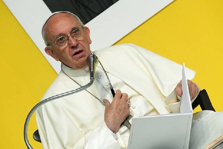"""Il monito del Papa: """"Senza lavoro non c'è democrazia"""" – FOTO"""