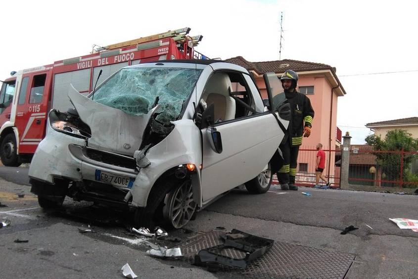 Fratello e sorellina di 20 e 5 anni: l'incidente è tremendo
