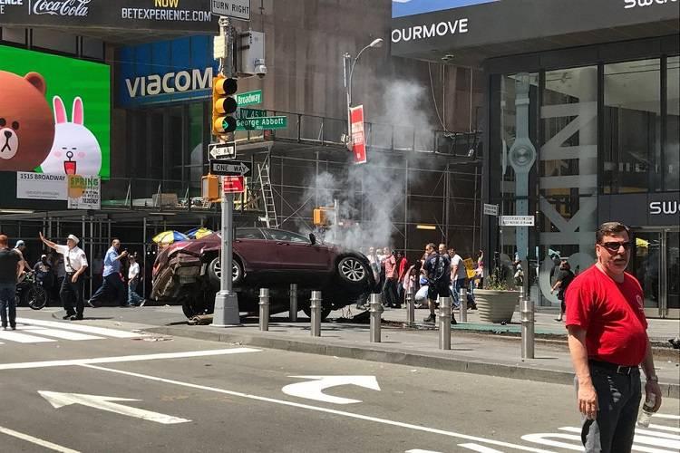 New York, auto sui pedoni: gravissimo il bilancio