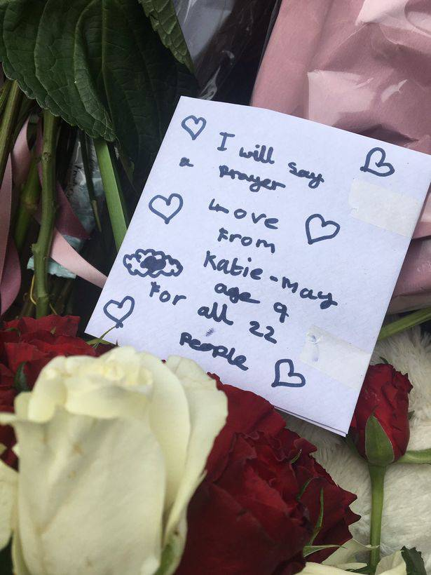 Heartbreaking Tributes To 15 Year Old Girl Killed Crossing: Attentato Manchester, Tra Le Vittime Anche La Moglie Di Un
