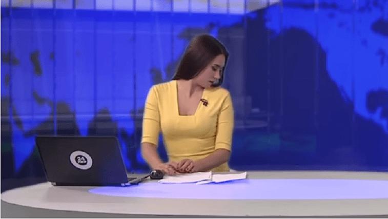 La conduttrice legge le notizie al Tg, ma accade l'incredibile VIDEO