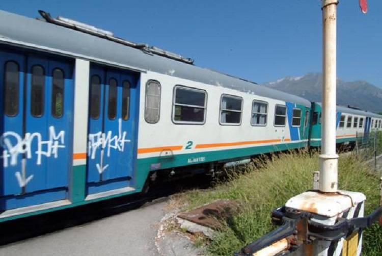 Allarme bomba: bloccata una linea ferroviaria in Abruzzo