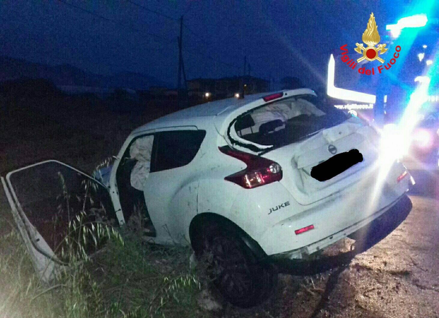 Tragedia all'alba: morti due ventenni in un terribile incidente