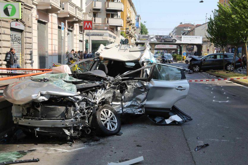 Milano, incidente mortale in Viale Monza: morto 58enne, uomo in fuga