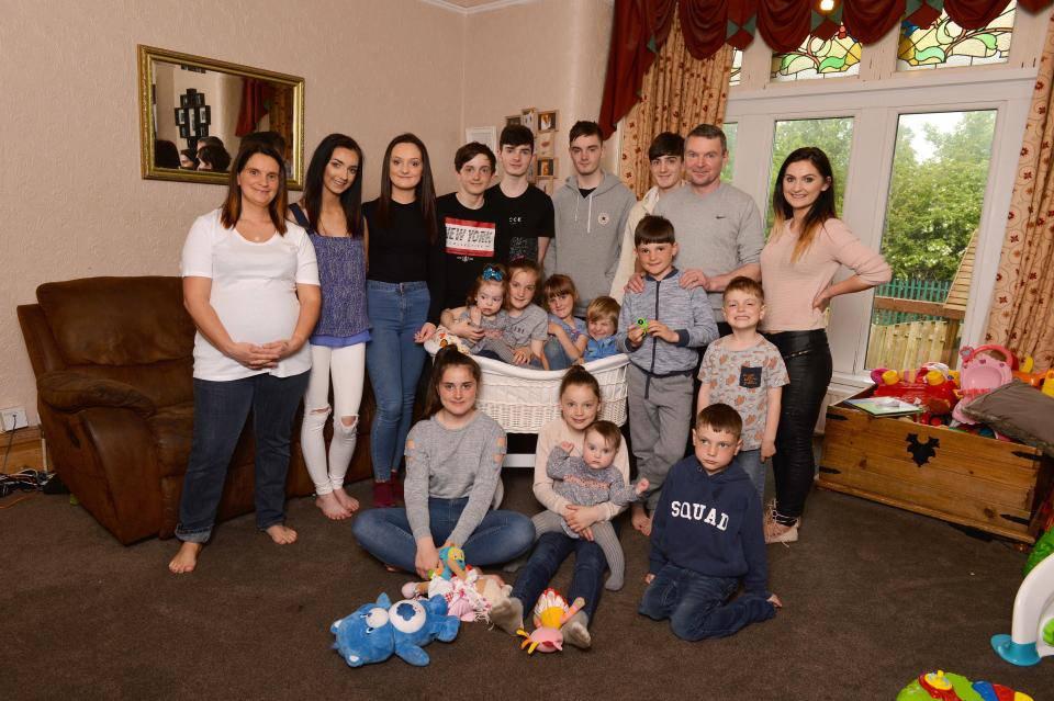 In arrivo figlio numero 20: la famiglia più numerosa del Regno Unito