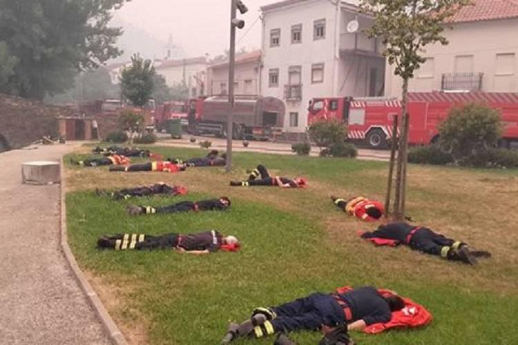 Portogallo in fiamme: pompieri esausti dopo turni massacranti – FOTO