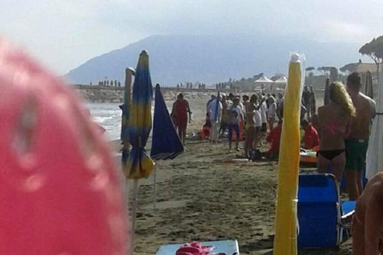 Si tuffano in mare per salvare i nipoti: morti due coniugi