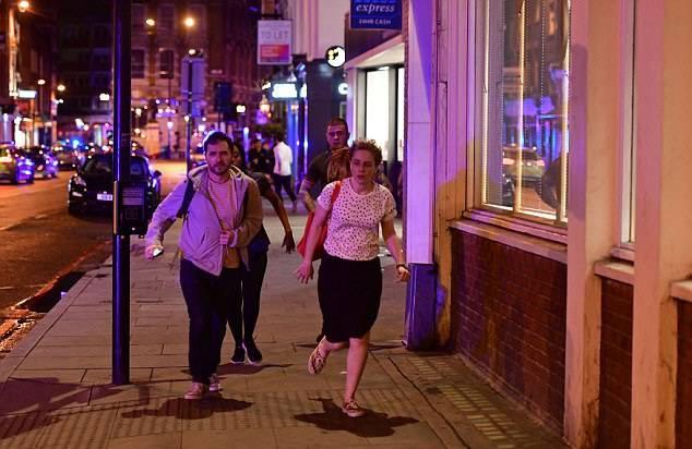 Attentato Londra, compagnia di trasporti Uber accusata di lucrare sulle vittime
