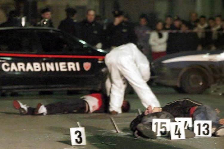 Agguato di camorra: sette secondi per uccidere due uomini – VIDEO
