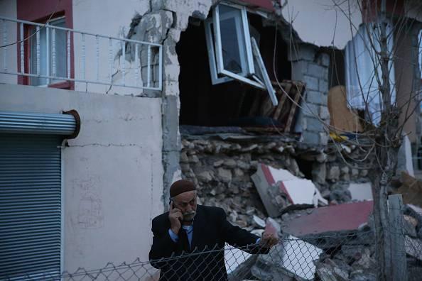 Violentissimo terremoto in Turchia: avvertito da Istanbul ad Atene