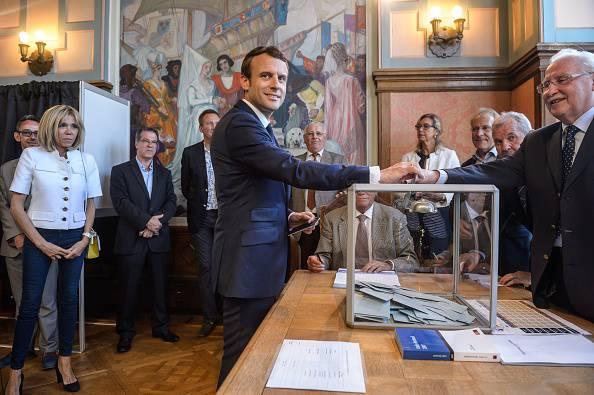 Emmanuel Macron stravince le legislative. Crolla la Le Pen