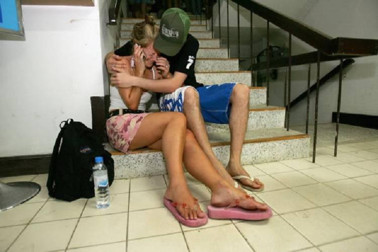 Sfidano la mareggiata: tragica vacanza per quattro turisti