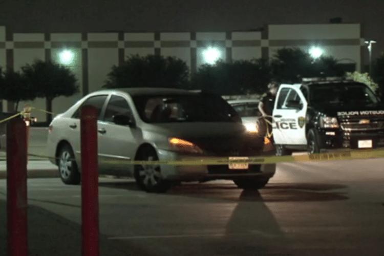 Va al lavoro, il piccolo resta chiuso in auto: nuova tragedia