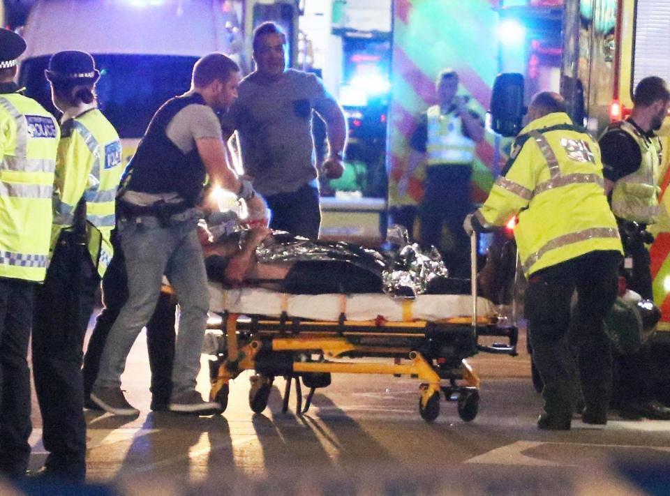 Attentato Londra: uomo in fin di vita in un pub-VIDEO