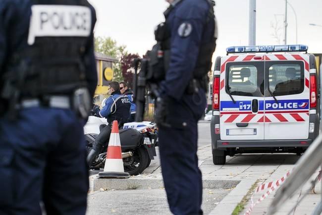 """Allerta terrorismo: auto """"sospetta"""" vicino a un'industria chimica"""