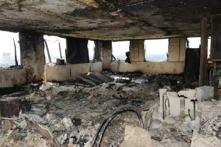 """Grenfell Tower, la testimonianza: """"Trovati 42 cadaveri in una stanza"""""""