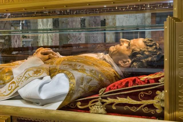 Rubata la reliquia di Don Bosco, apprensione tra i fedeli