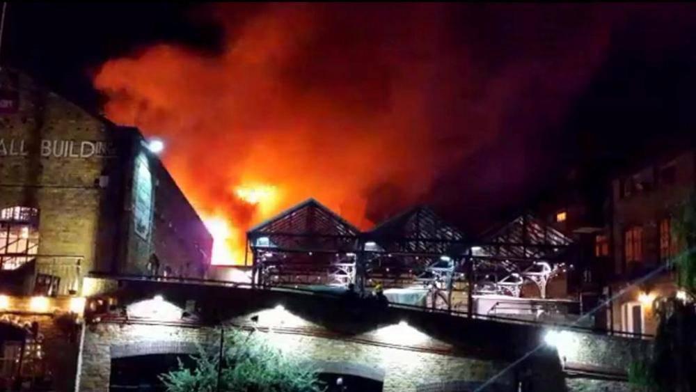 Incendio a Camden Market, ancora paura a Londra