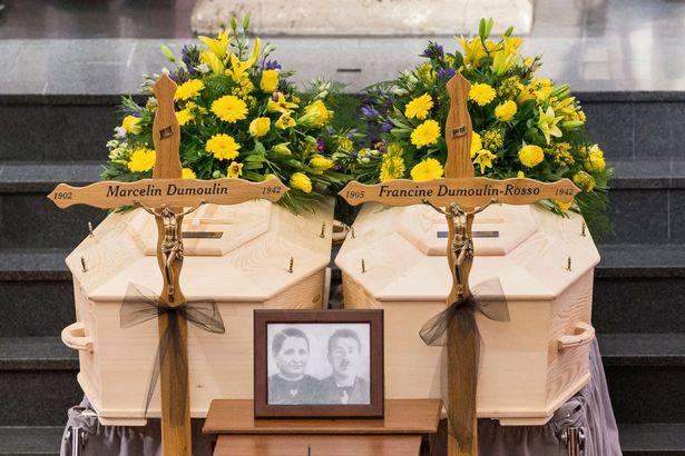 L'ultimo omaggio ai coniugi ritrovati 75 anni dopo la loro morte