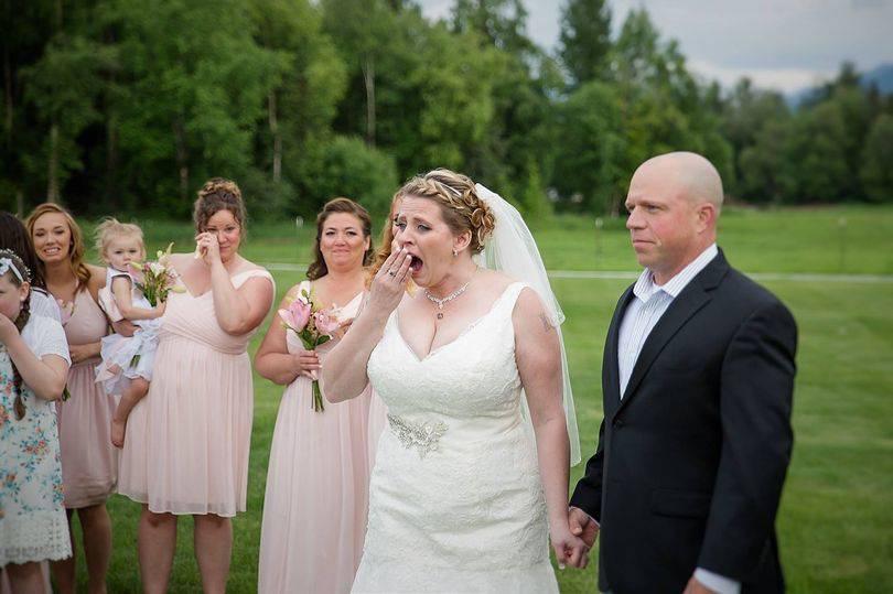 """Sorpresa incredibile nel giorno delle nozze: """"Tuo figlio vive dentro di me"""""""