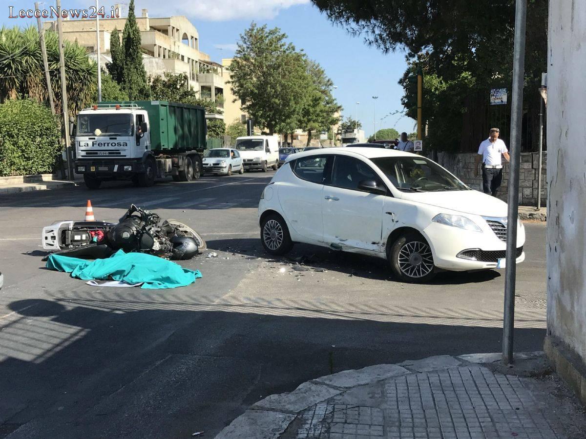 Lecce, schianto mortale all'alba: Emanuele muore a 40 anni