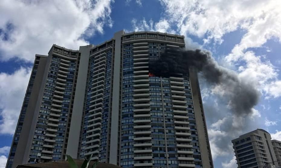 Ancora un incendio dopo la Grenfell Tower, ci sono dei morti – VIDEO