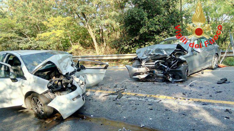 Incidenti stradali: morta ragazza ferita ieri nel Tarantino