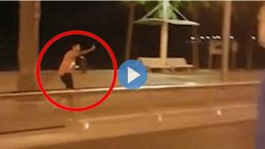 Risultati immagini per video terrorista ucciso barcellona