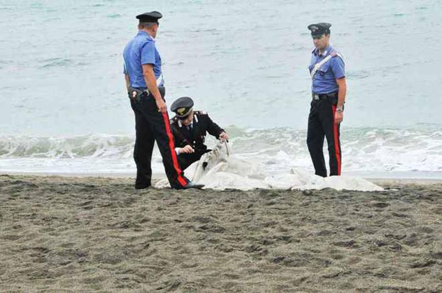 Il corpo di un uomo ritrovato in mare a Bellaria