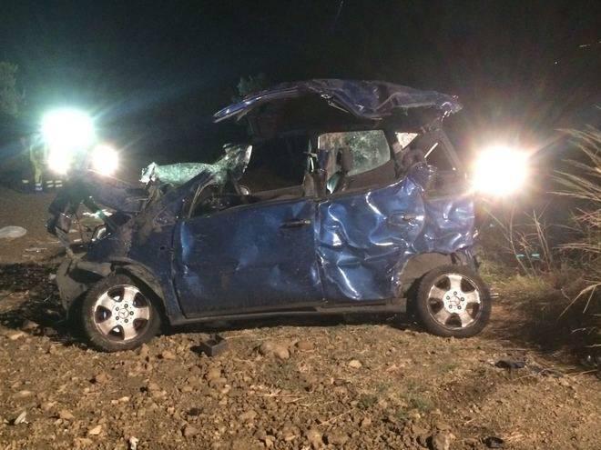 Incidente tremendo, auto già dal viadotto. Un'intera famiglia distrutta