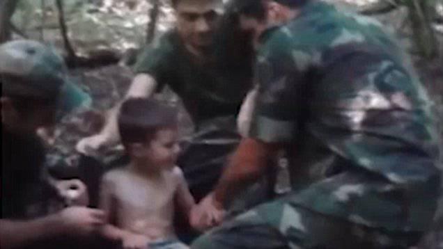 Bimbo smarrito nel bosco per tre giorni, accade il miracolo – VIDEO