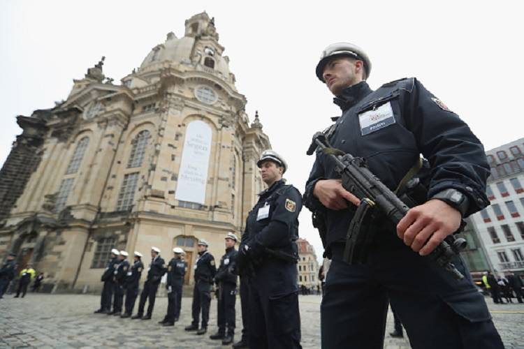 "L'Isis minaccia la Germania: ""Colpiremo i loro simboli"""